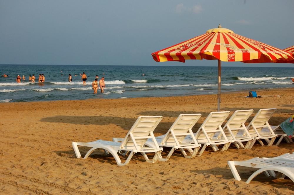 В Анапе признали незаконной аренду пляжных территорий, ограниченных для граждан