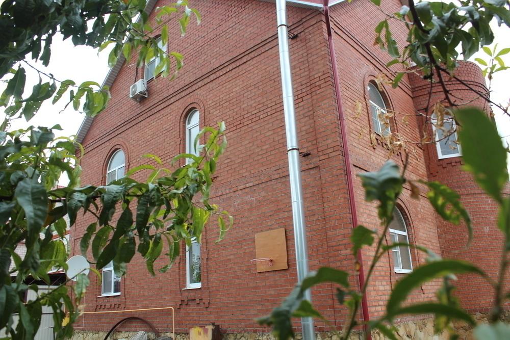 Продаётся 3-этажный дом с хорошим ремонтом