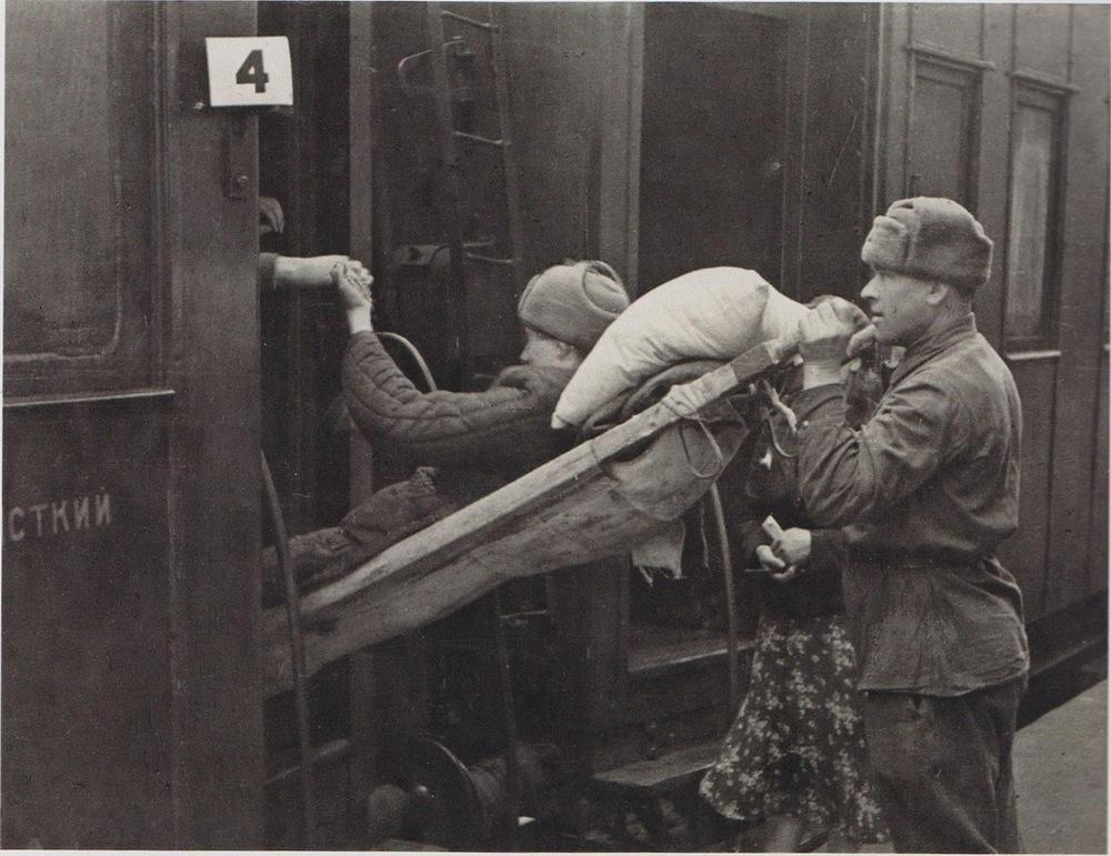 В 1943 году анапчане собирали деньги на постройку санитарного поезда в помощь Красной армии