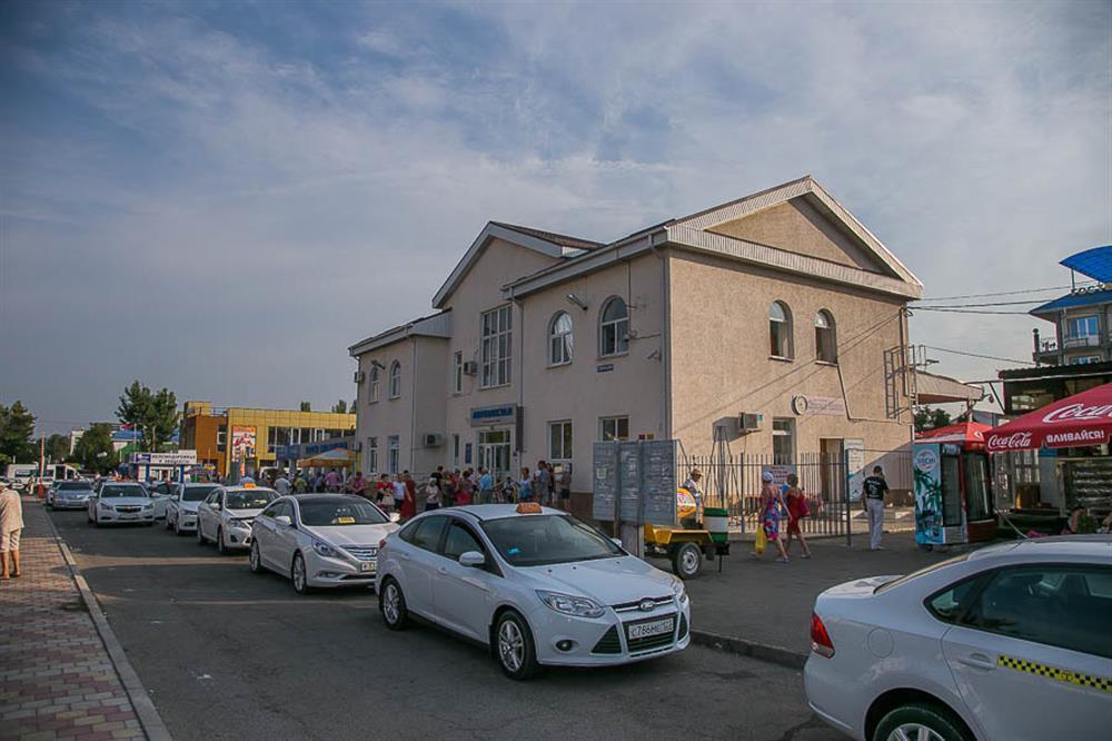 На такси в Анапу приезжают чаще, чем в Геленджик