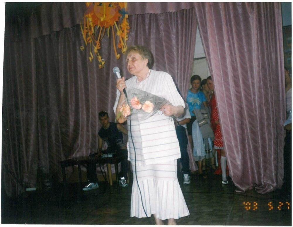 80-летняя слепая анапчанка продолжает писать стихи и читать лекции по искусству