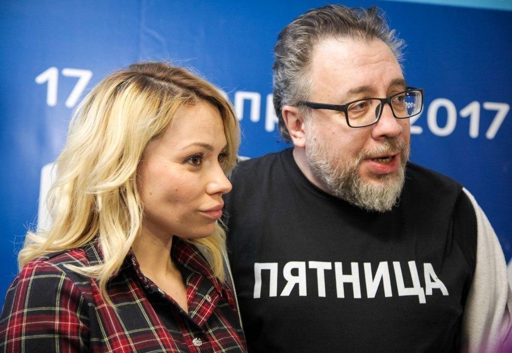 Радиоведущие Вадим Воронов и Алиса Селезнева давали советы юным журналистам в Анапе