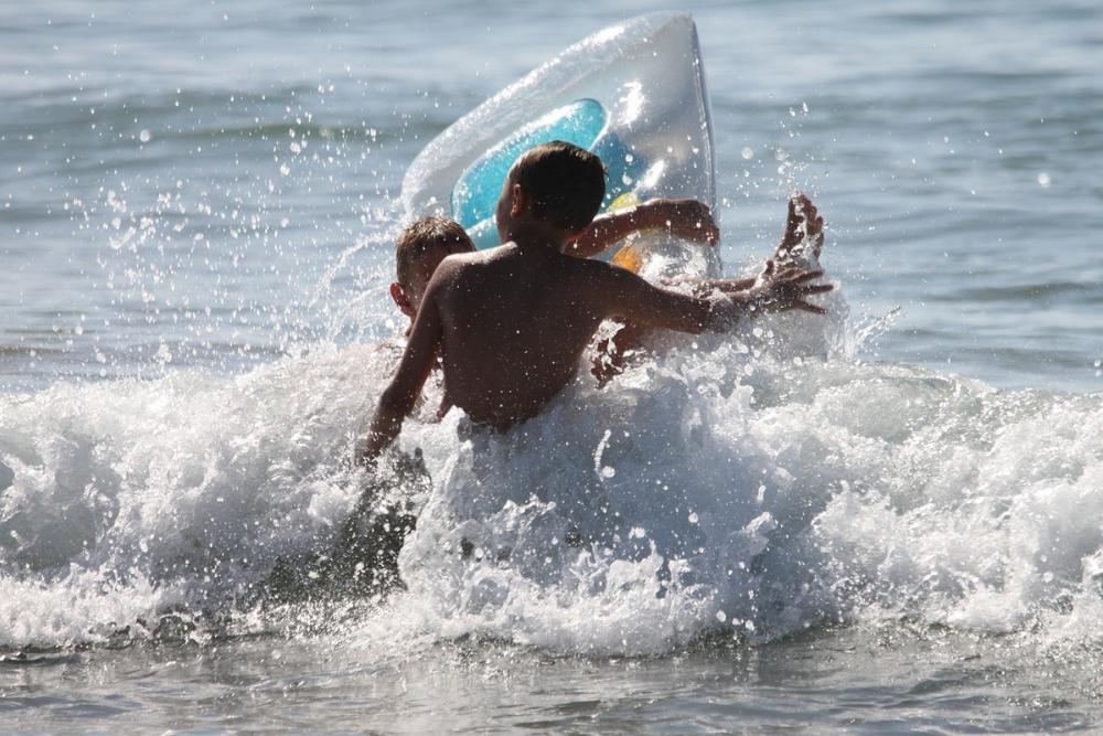 В Анапе детям запретили купаться в море на всех пляжах