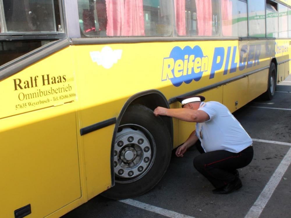 Опасно для жизни: в Анапе у каждого десятого автобуса найдены неисправности
