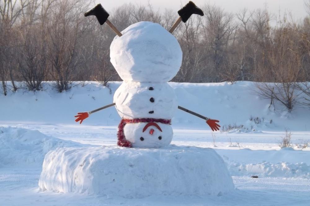 Как в Анапе собрать правильную команду для лепки снеговика