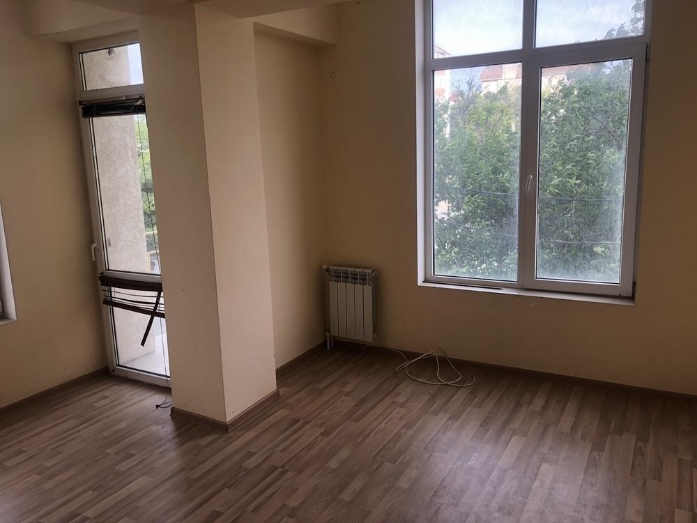 Продаётся 1-комнатная квартира с хорошим ремонтом
