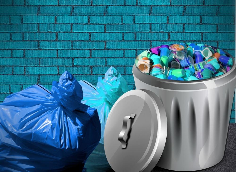 В Египте и в Анапе-проблемы одинаковые: курортные города завалены пластиковым мусором