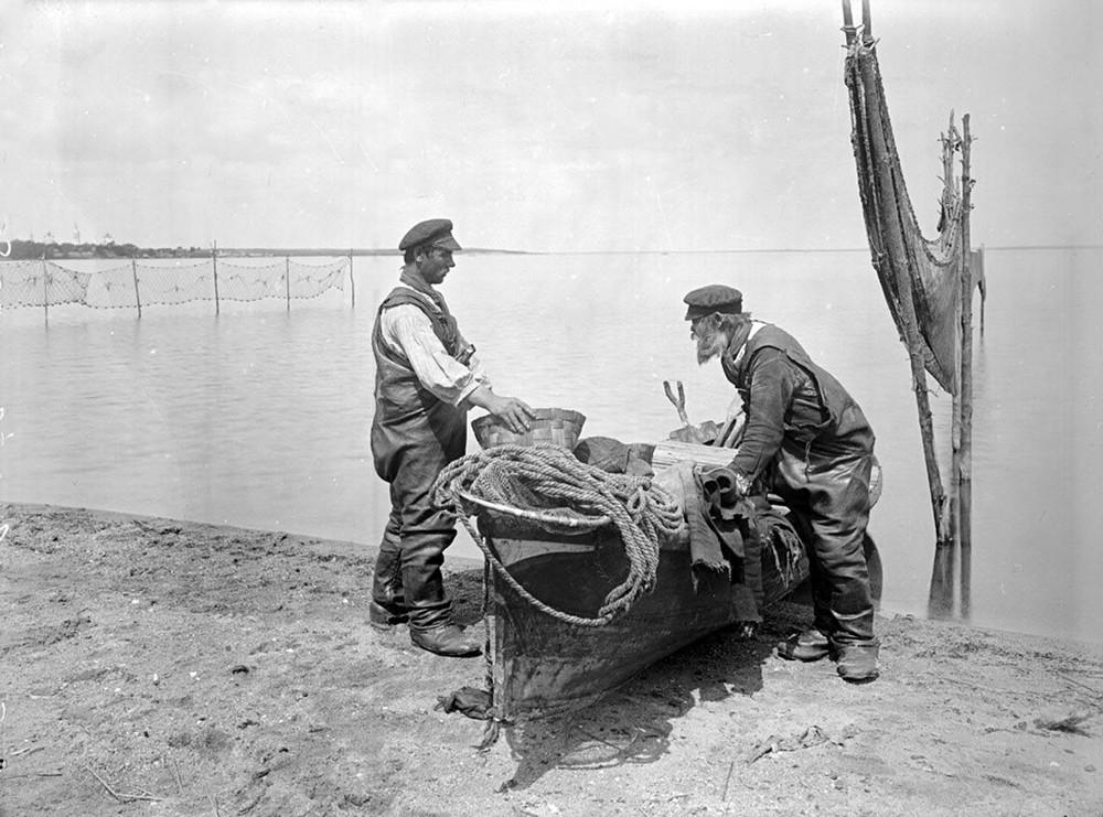 История Анапы: в 19 веке рыбы было так много, что её ловили руками