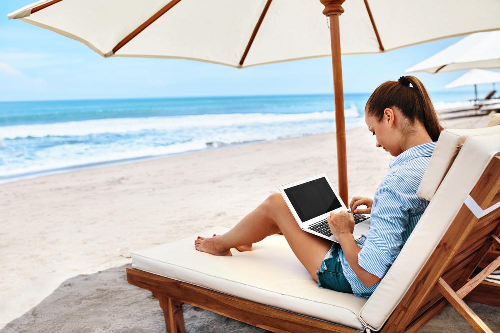 Без шашлыков, но с бесплатным Wi-Fi: какими станут пляжи Анапы к курортному сезону