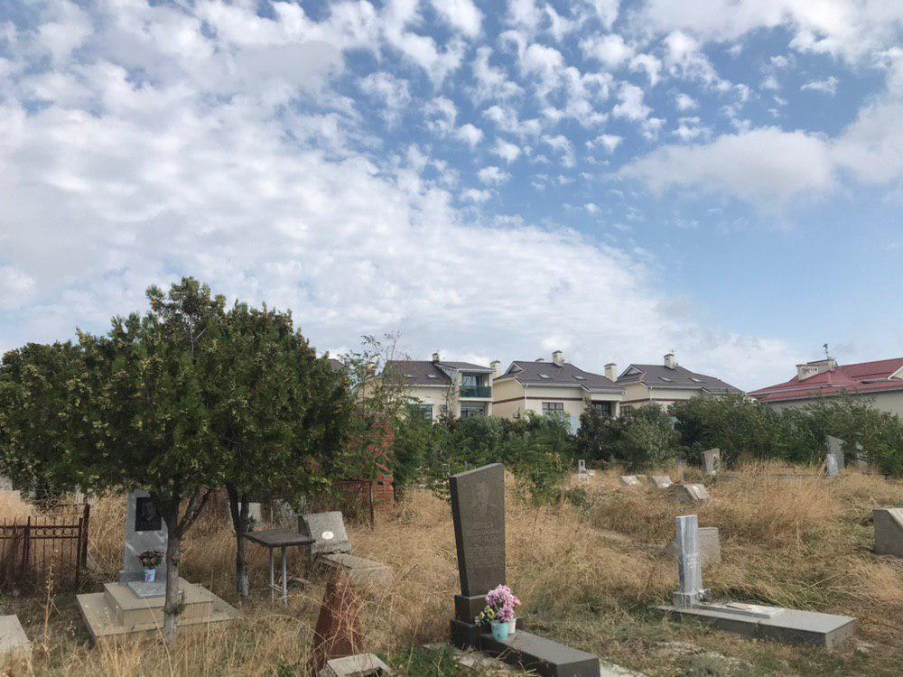 Жизнь рядом с кладбищем в Анапе - неудачное соседство или полная идиллия?