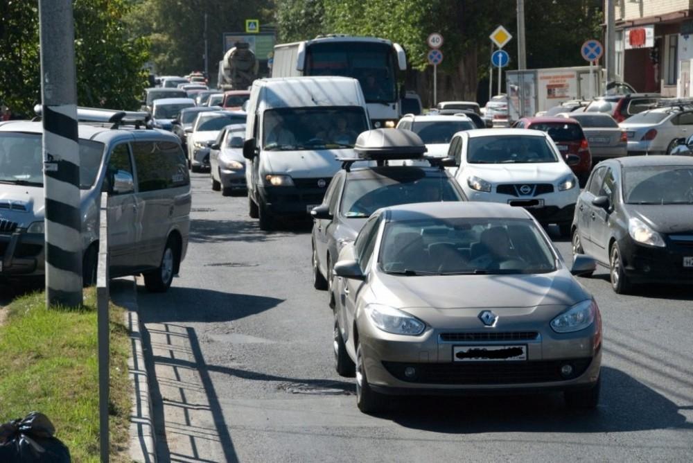 Пробки, хамство, обочечники - проблемы одинаковые везде в Краснодарском крае