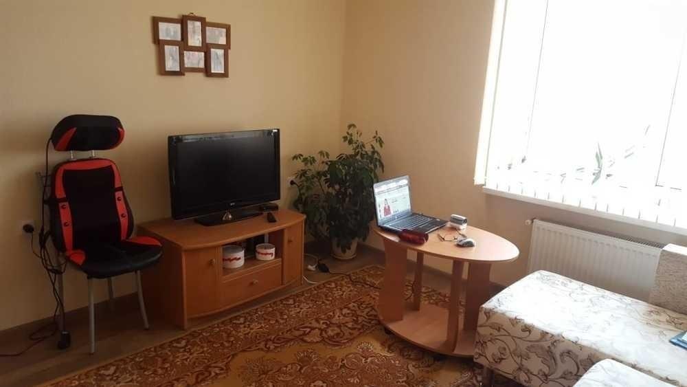 Продаётся просторная 1-комнатная квартира с ремонтом