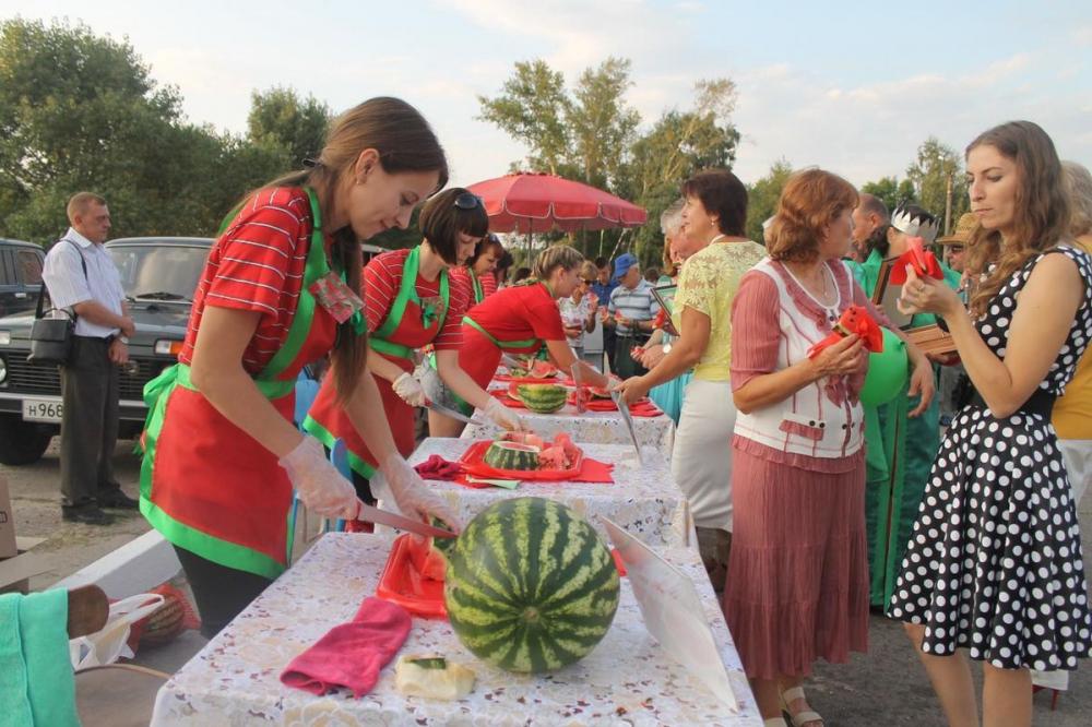 Анапчане могут попасть на праздник вина и угоститься сочными арбузами