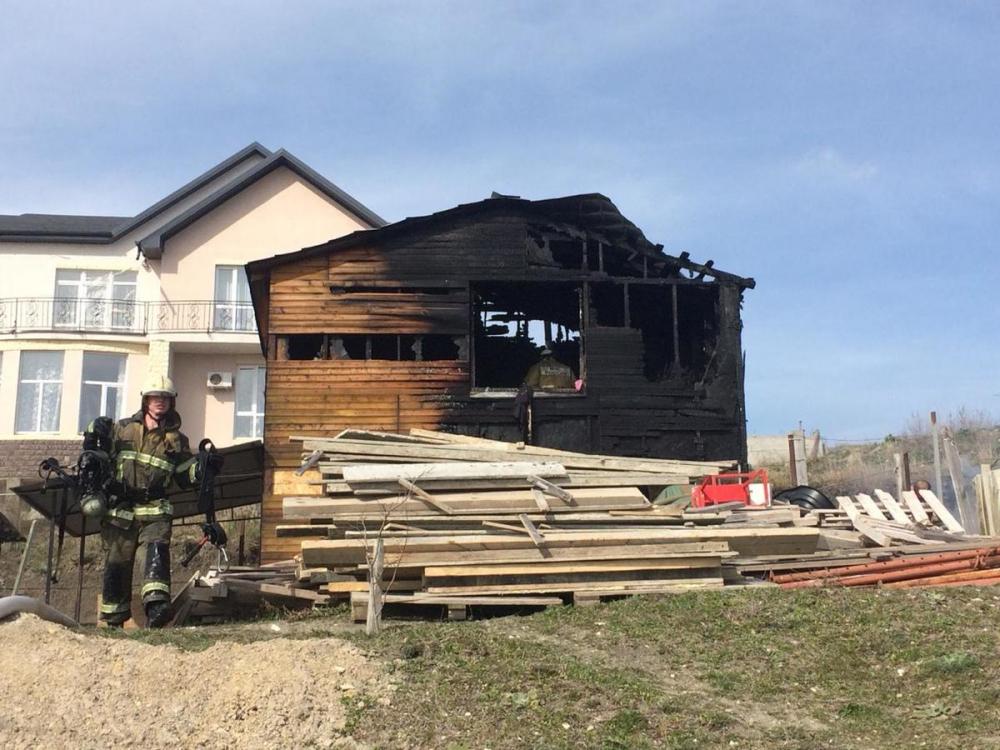8 марта на хуторе под Анапой сгорела баня