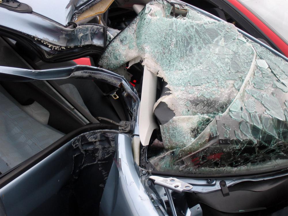 Авария рядом с Анапой: иномарка в хлам, 32-летний шофёр погиб