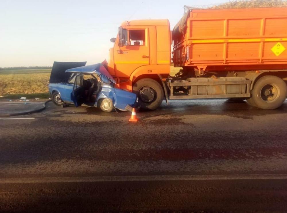 В Анапе обсуждают страшную аварию: 78-летняя пенсионерка погибла под колесами КамАЗа
