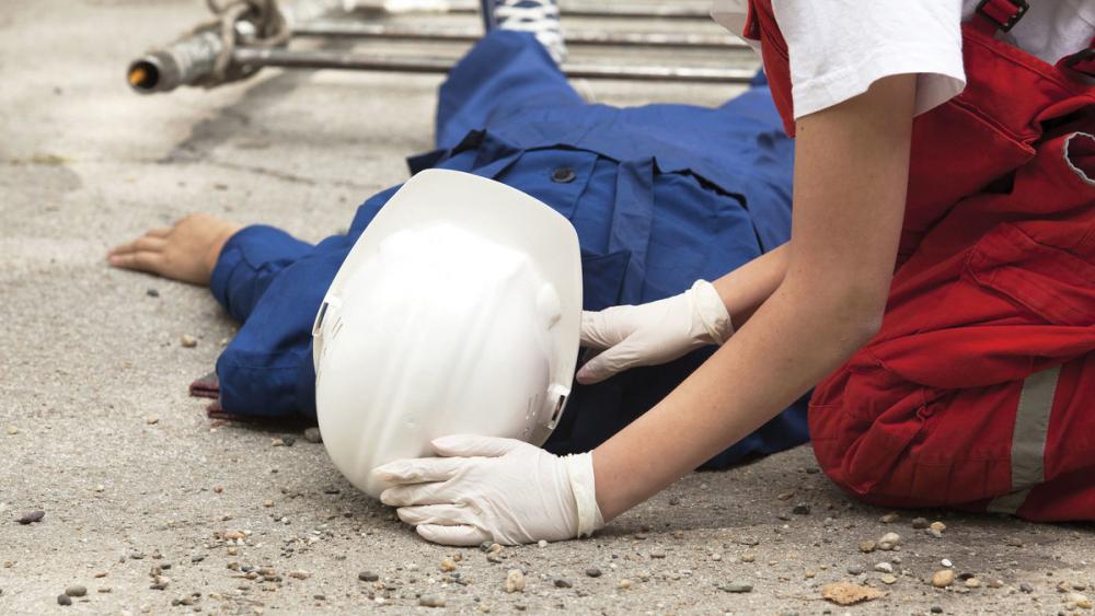 В Анапе  завершилось следствие по случаю смерти рабочего, упавшего с лесов