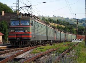 Стали известны подробности гибели молодой женщины под колесами поезда Москва - Анапа