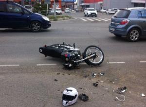 В Анапе возле гипермаркета два выходца из Японии не поделили дорогу