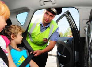 В Анапе объявлена охота на водителей, которые неправильно перевозят детей