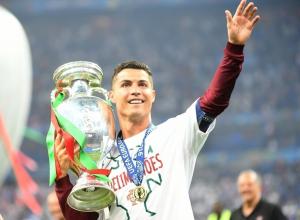 Звезда мирового футбола - Криштиану Роналду, может приехать тренироваться в Анапу
