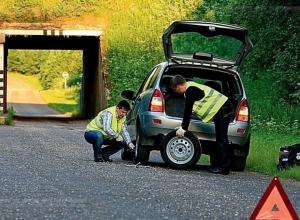 Новый закон: анапские водители обязаны надевать светоотражающие жилеты