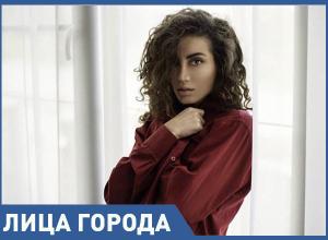 Перфекционистом назвал анапчанку Нану Минасян известный модельер Вячеслав Зайцев