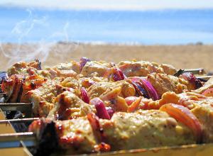 На встрече с армянской общиной мэр Анапы сказал, что на пляжах больше не будет   шашлыков