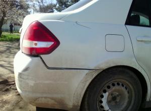 В станице Анапской неизвестный водитель врезался в «Ниссан» и скрылся