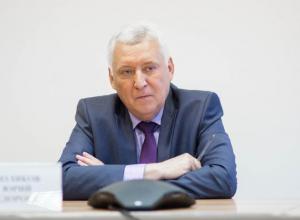 О чем спрашивали анапчане Юрия Полякова на горячей линии?
