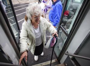 Сломанный нос и ушибленный копчик: как анапская пенсионерка к подруге не доехала