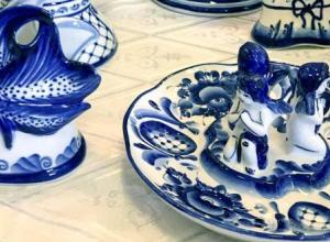 Выставка «От античности до современности» в Анапе. Попробуйте сами расписать керамику
