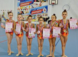 Анапские гимнастки на первых местах в соревнованиях по Темрюкскому району