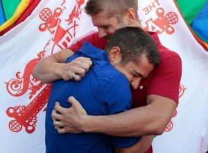 В России на ЧМ-2018 болельщикам-геям разрешат целоваться