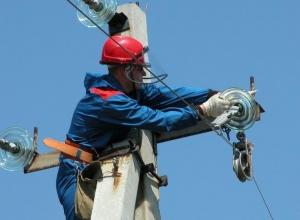 В условиях сильного ветра в Анапе энергетики перешли на особый режим