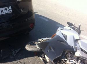 В Анапе на Супсехском шоссе красивый спортивный байк разлетелся вдребезги