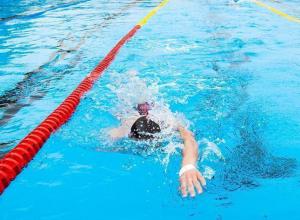 Пловцы из Анапы завоевали 14 медалей от Деда Мороза