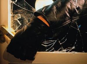 Горячий южный парень украл 30 тысяч из мясного магазина в Анапской и попытался договориться с полицией