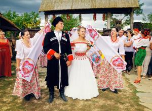 Анапчане могут принять участие в свадебном фестивале по старинным казачьим традициям