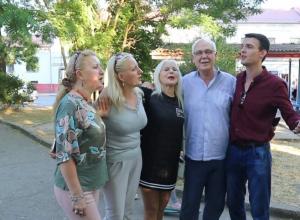 Мэр греческого города Ларисы прямо с открытия сезона чуть не уехал из Анапы в Керчь