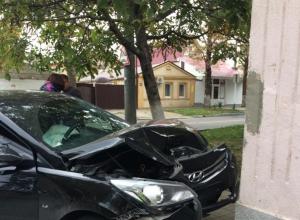 «Пьяный мужчина спас нам жизнь»: подробности ДТП с иномаркой, влетевшей в дом в Анапе