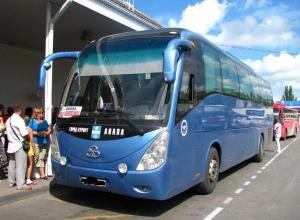 «Шторы не стирали с тех пор, как он пришёл из Кореи» - анапчанка о состоянии автобуса