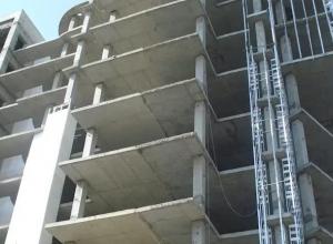 В Анапе девушка погибла, упав с 12 этажа недостроенного дома