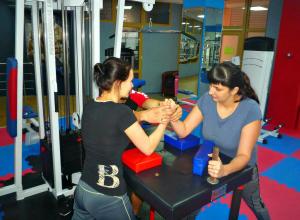 Армрестлинг и поднятие тяжестей: анапчане соревновались в семейном многоборье