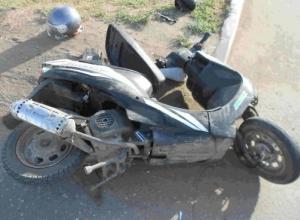 В Анапе подросток на скутере врезался в дерево