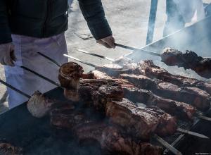 Три штрафа не заставили шашлычника из Анапы прекратить жарить мясо по ночам