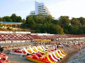 Письмо в редакцию: «Анапчанам и туристам нет места на пляже»