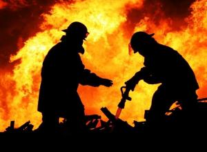 Пожар на Пионерском проспекте тушили четыре часа