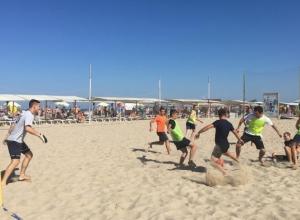 Футбольный матч на пляже Анапы состоится в любую погоду