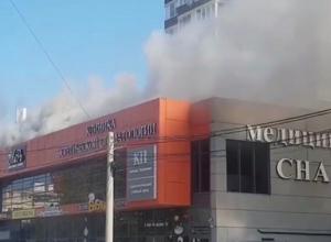 В Анапе ликвидировали крупный пожар в офисном здании